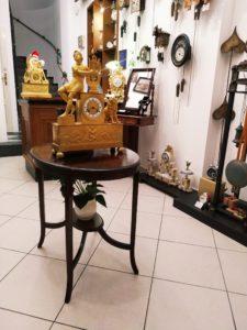Starožitné francouzské hodiny v Clock Gallery v Praze